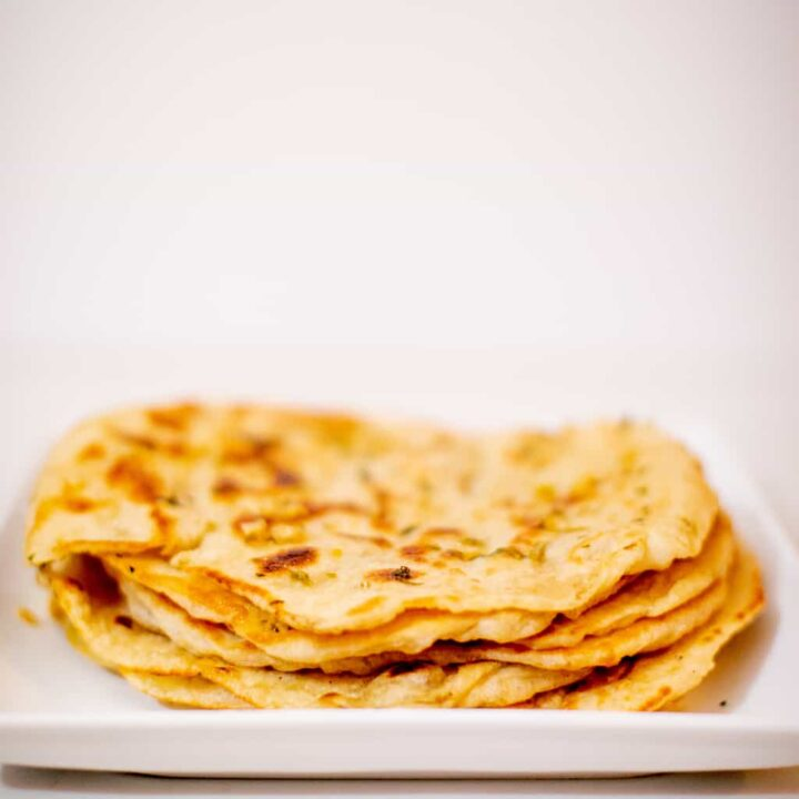 Indian naan bread recipe prepared in a plate