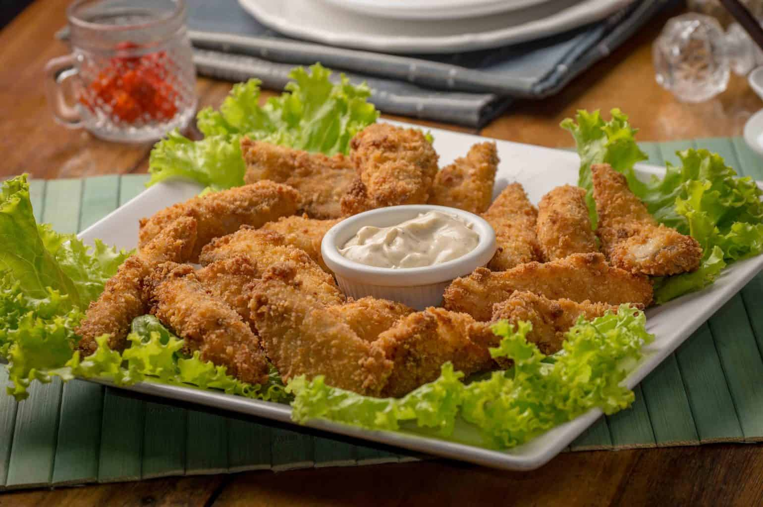 Fried chicken with white sauce at the center